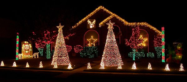 Blog World Of Beauty And Design - Christmas Tree Shaped Lights